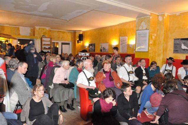 Bild zeigt Publikum im Afrika-Haus