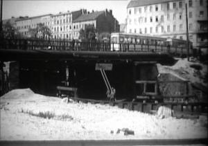 Foto der Fennbrücke 1951 mit Straßenbahn