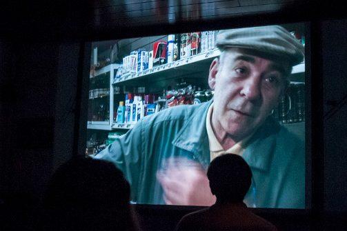 Bild zeigt einen Protagonisten in Nahaufnahme in dem Film NONSTOP