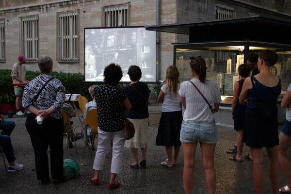 Eröffnungsveranstaltung vor dem Rathaus